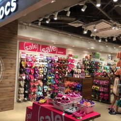 Crocs Kicks Start its Great Singapore Sale with Up to 40% Off Select Items
