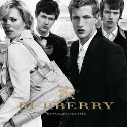 Burberry Singapore: kicks off GSS both online & in-store
