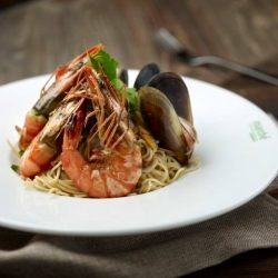 Marché Mövenpick: FREE glass of house wine with every order of seafood aglio olio or seafood paella