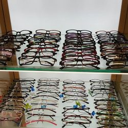 Hirocon: Bring a friend to buy 2 prescription glasses to enjoy 50% off