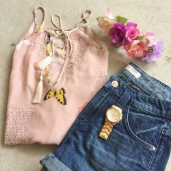 [GUESS Singapore] Pretty in pink 💖🌸Shop our EXTENDED SALE! GUESS Jeans and Accessories: Additional 20% OFF* with purchase of 3 items. GUESS