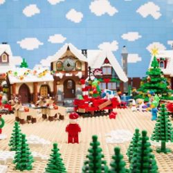 [LEGO] When Santa's old sleigh broke, Christmas was in crisis! Thankfully, many heroes – and lots of little builders – came together