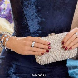 [Pandora Singapore] Mix and match these intricate charms from our Winter Collection for that perfect finishing touch to your year-end glamour.