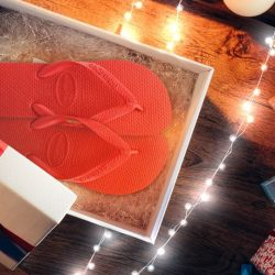 [Common Thread Singapore] Havaianas wishes all a Merry Christmas and a Happy New Year! Additional 10% off selected sale items is now ongoing