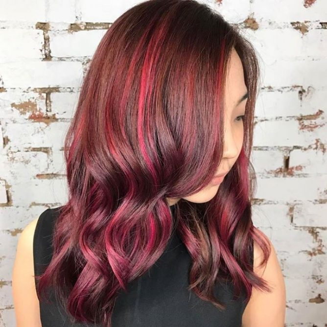 Magenta Balayage New Years Eve Hair Inspiration Choose From This Technique Or 4 Other Celebrity Approved Styles Ombre Colormelt Sombre