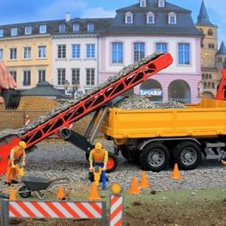 [The Collector] Bruder 02432 Schaeff HR16 Mini excavator The excavator arm is fully functioning, the bucket can be detached and the plough