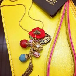 [The Paper Stone Signature] CNY is just around the corner. We think this Chinese-inspired necklace with matching emperor yellow wristlet would be perfect