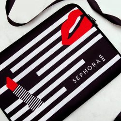 "[SEPHORA Singapore] Study/work #goals! 💯 Score this exclusive 13"" Sephora Laptop Sleeve with a min. spend of $100 online or in stores."