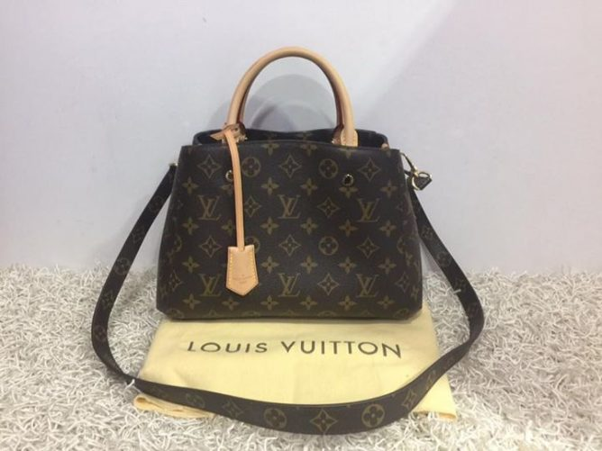 Brand Model Louis Vuitton M41055 Mono Montaigne Bb Bag Price 2350 Rp 3100 Item Code Fe9011c Fe94rj 4c Call 62352628 Chee Wah At Far East Plaza