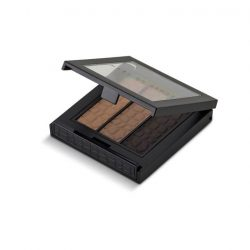 [MAKE UP STORE] Frame your face with the right arch.Tri Brow is a three shade palette with a lightweight and smudge-free