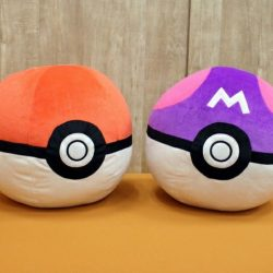 [Seimon-cho] SUPER GIANT POKE BALLS ARE HERE!! Available in stores on Friday, 3Feb!! Feel free to check out other Pokemon plushes