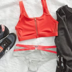 [American Eagle Outfitters] Fuss free workout starts with our Aerie Zip-Front Sports Bra!