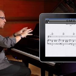 [YAMAHA MUSIC SQUARE] NoteStar is Yamaha's application for the iPad® that features hands-free, smooth-flowing, easy to read digital sheet music