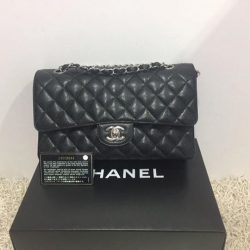 [MADAM MILAN] Sneak Preview @FE Brand/Model: Chanel A01112 Classic Caviar Medium SHW Flap Bag Price: $4500 (RP:$7090) Item Code: FE9239C