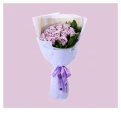 [Xpressflower.com] We're sure you treat your loved ones like royalty everyday. But this Valentines Day, go a step further by