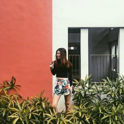 [The Closet Lover] Loving how @kennixtyx gave her outfit a vibrant pop with our Clarra Floral Shorts! Congratulations for winning yourself a $28