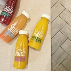 [Cedele] Who's with us for a juice cleanse? 🙋 Quench your thirst with a bottle of sugar-free orange juice. If