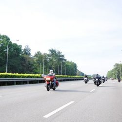 [Harley-Davidson] The Kings & The Gliders for a day of cruisin', coastin' and corner carvin' .