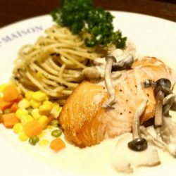 [Ma Maison Restaurant Singapore] No more Monday blue!!!Head down to Ma maison at Takashimaya and have our lunchToday lunch special Salmon steak