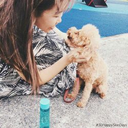 [ORBIS] 30HappySkinDays Day8 Spending time playing with our fluffy buddies never fail to put a smile on our faces 🐶😘 Have you