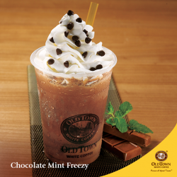 [OLDTOWN White Coffee Singapore] Topped with generous swirls of cream and choco chips, and enhanced with a dash of cooling mint, our Chocolate Mint