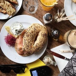 [Changi Recommends] When travelling, start your day right with good breakfast and WiFi.