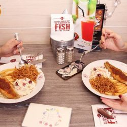 [The Manhattan FISH MARKET Singapore] After a busy week, all you need is a bestie to lend a listening ear.