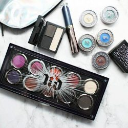 [Urban Decay Cosmetics Singapore] Playing favorites with @phyrra.