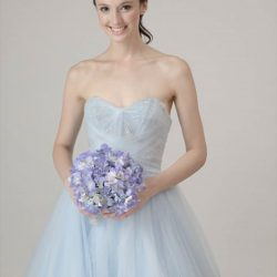[LA BELLE] Tip of the week: While it looks cool to be on trend, don't set your mind on wedding gowns
