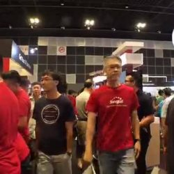 [Singtel] It's the last day of the IT Show 2017 and Lobang King Andrew is back to bring you the
