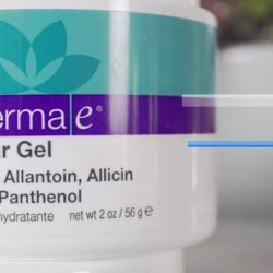 """[Guardian] COMMENT and fill in the blank """"Derma E Scar Gel effectively deal with scars with (NO/YES)______ harsh chemicals."""