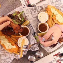 [The Manhattan FISH MARKET Singapore] You know you have a bestie when it's okay to take each other's food without asking.