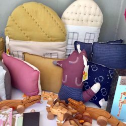 [CUCKOO] Still lots of lovely things on our courtyard clearance table.