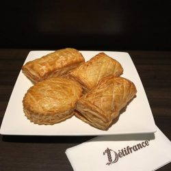 [Delifrance Singapore] Crispy, flaky and truly satisfying, our puff pastries encase tender, succulent centres of lightly spiced tuna and curry chicken.