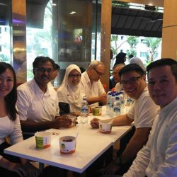 [Encik Tan] We'd like to give huge thank you to Bukit Batok MP, Mr Murali Pillai for gracing Bazaar Beli-Belah