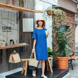 [MUJI Singapore] Go cafe hopping in stye with a fuss-free and relaxed outfit as seen on @dreachong Shop our Linen Summerwear