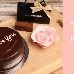 [Awfully Chocolate] With only 4 days left until Mothers Day we bring you this amazing package that your mother is sure to