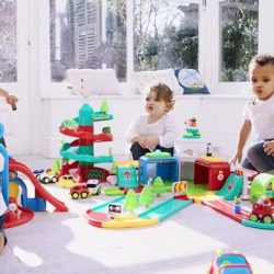 [Early Learning Centre] Help your toddler to start understanding how the real world works, as they follow their own ideas and invent their