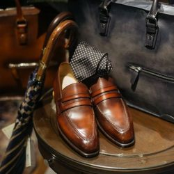 [STRAITS ESTABLISHMENT] CNES's Raffles loafer in shaded burgundy and briefcases with Fumagalli's regimental stripe tie.