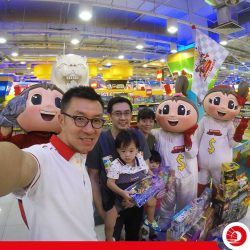 """[OCBC ATM] What were the OCBC Mighty Savers up to today with our Toys""""R""""Us shopping spree winners?"""