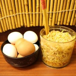 [Keisuke Ramen] Immerse yourself with the free flow of succulent marinated beansprouts and hard boiled eggs at all Keisuke's ramen outlet.