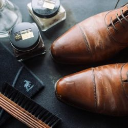 [Saphir] If your shoes look like this, please do not hesitate and speak to us now.