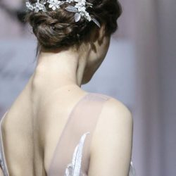 [Silhouette The Atelier] If you have been thinking about whether to add a bridal hair piece to perfect your wedding look, feel free
