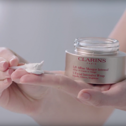 [Clarins] This rich, lightweight mousse with a delicate scent is a treat for the senses!