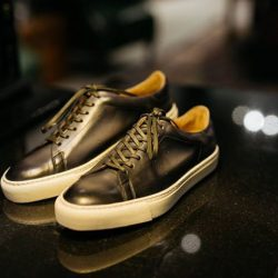 [STRAITS ESTABLISHMENT] The Franklin from CNES Shoemaker - classic tennis sneaker with rubber cupsole.