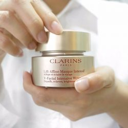 [Clarins] MeTime begins with a twist of a jar of V-Facial Intensive Wrap.