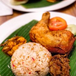 [Madam Kwan's] Something that you should order when you visit Madam Kwan's, the signature Nasi Bojari.
