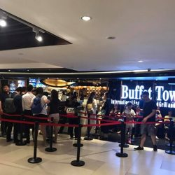 [Buffet Town] 6pm update: Smooth flowing queue here on the last Friday of our anniversary promotion!