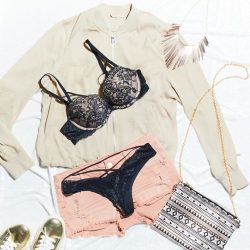 [La Senza Singapore] your sexy wknd style planning starts now 👄 Remember to check out our red hot sale in-stores now.