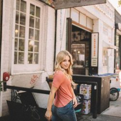 [Aeropostale] monday strolls in our bestdenimever.